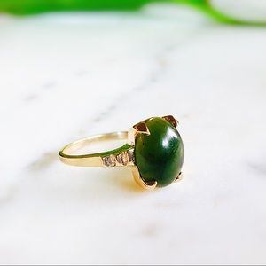 Jewelry - Estate 14K YG Jade Nephrite Oval Statement Ring